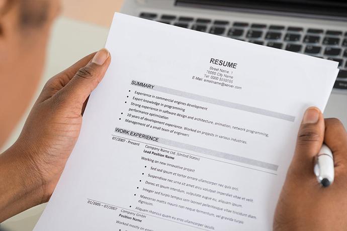 Umass Amherst Alumni Association Virtual Resume Review Month